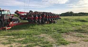 Case IH Early Riser 1240 planter highlights BigIron auction