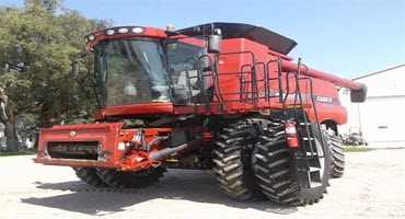 Case IH 7120 combine sells for top dollar at BigIron auction