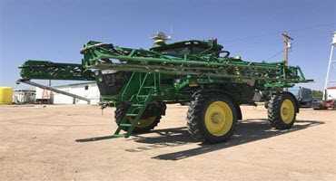 John Deere R4038 sprayer tops BigIron auction