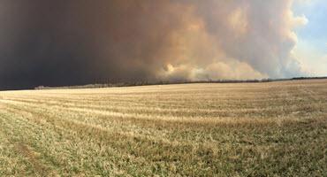 Sask. farmers battle wildfire
