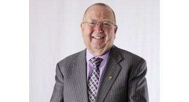 Eichler back as Manitoba ag minister