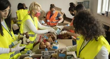 Feds invest in Canada's food banks