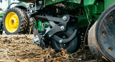 New frame-mounted row cleaner technology helps maximize yields