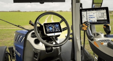 New Holland expands PLM™ Intelligence availability