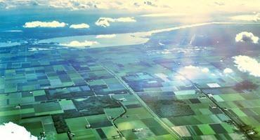 Congressmen introduce bill to limit foreign farmland ownership