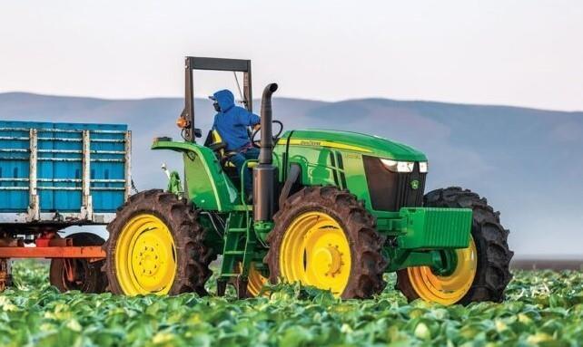 John Deere 6120EH Tractor