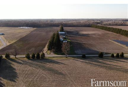 SOLD 2+1 bedroom 1 bathroom Country Home for Sale, Strathroy, Ontario