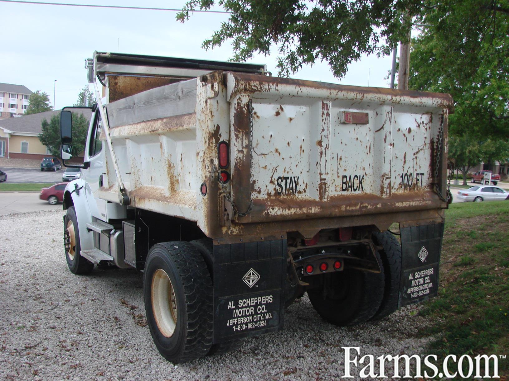 2004 Freightliner M2 Dump Truck