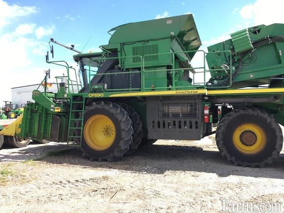 John Deere 2020 CP690 Cotton Pickers / Strippers