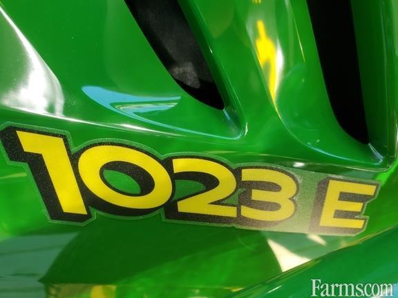 2002 John Deere 1023