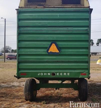 1900 John Deere 714A
