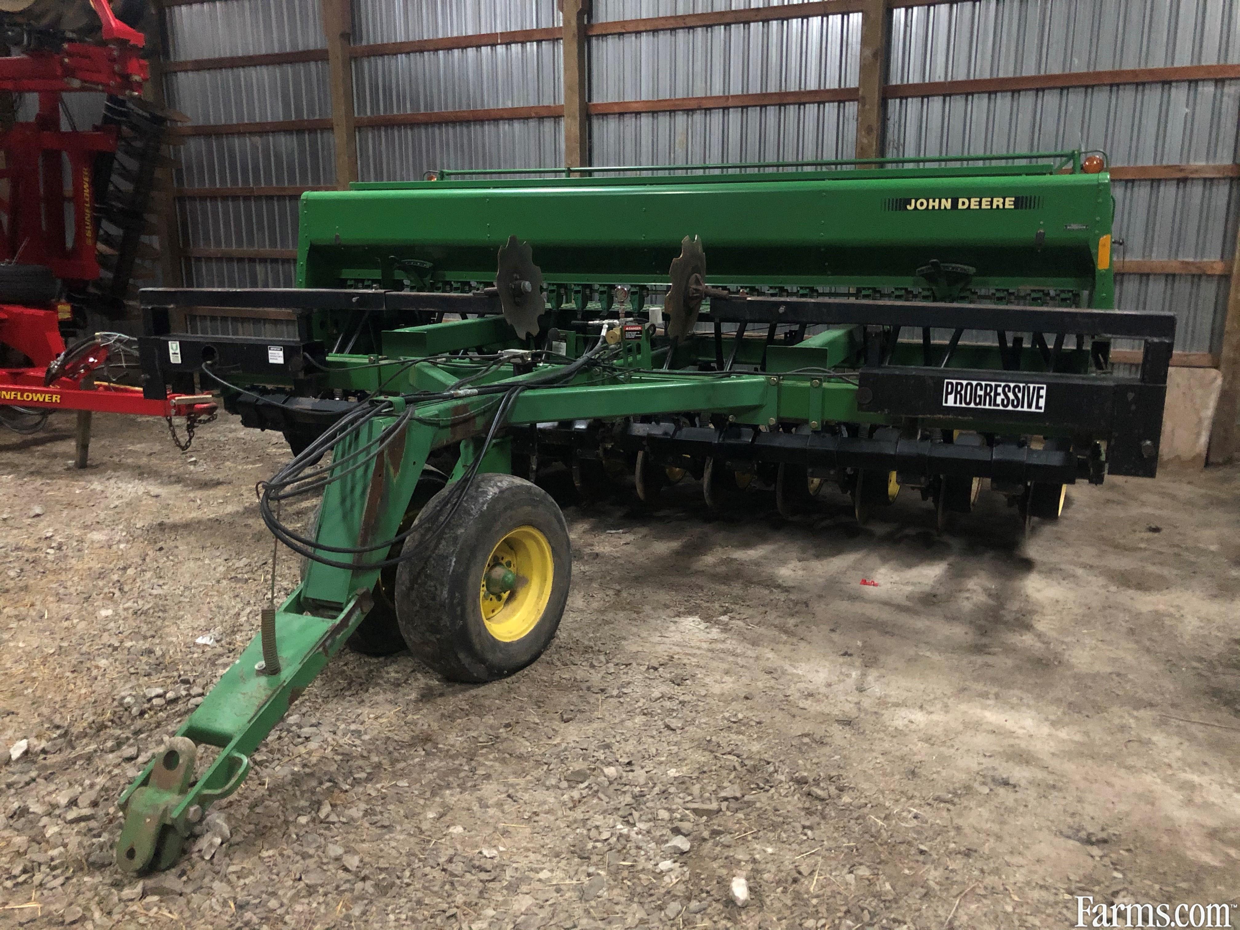 John Deere 750 Planters
