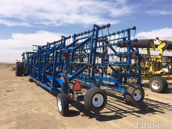 2012 8200-82 Field Cultivator