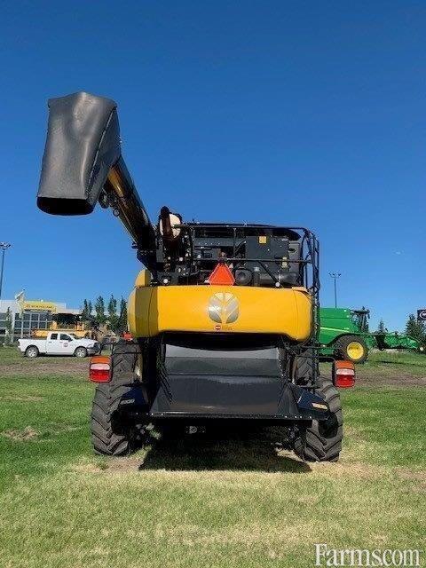 2018 New Holland CR8.90 Combine
