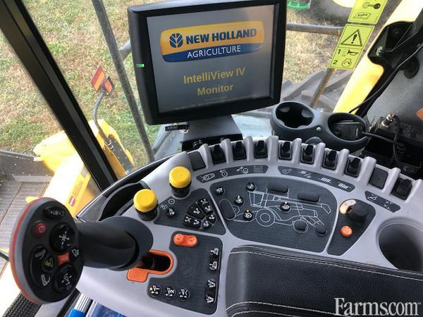 2019 New Holland CR8.90 Combine