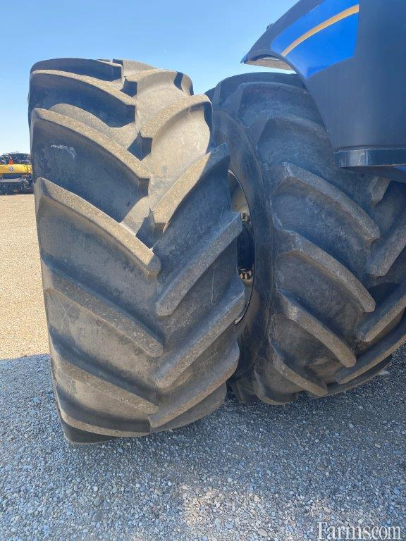 2011 New Holland T9.670 4WD Tractor