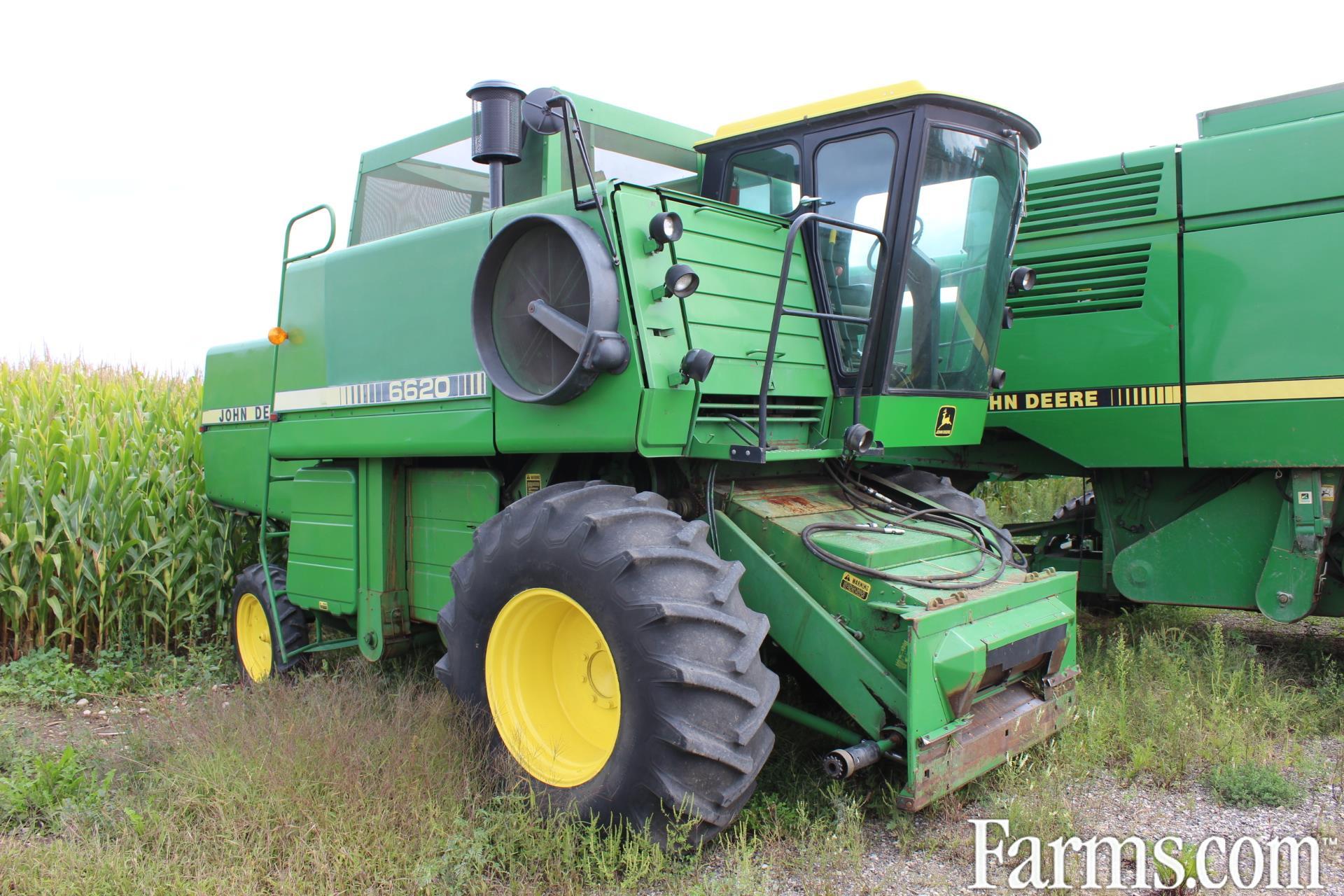 John Deere 6620 Combine