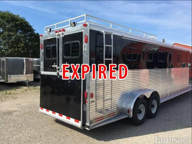 Sundowner 1997 720 Enclosed Trailers