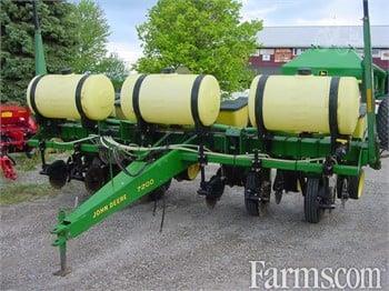 John Deere 7200 Planters