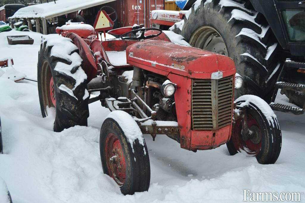 1962 Massey Ferguson 35 Tractor - Compact