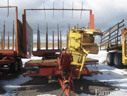 New Holland 1033 Bale Wagons / Retrievers