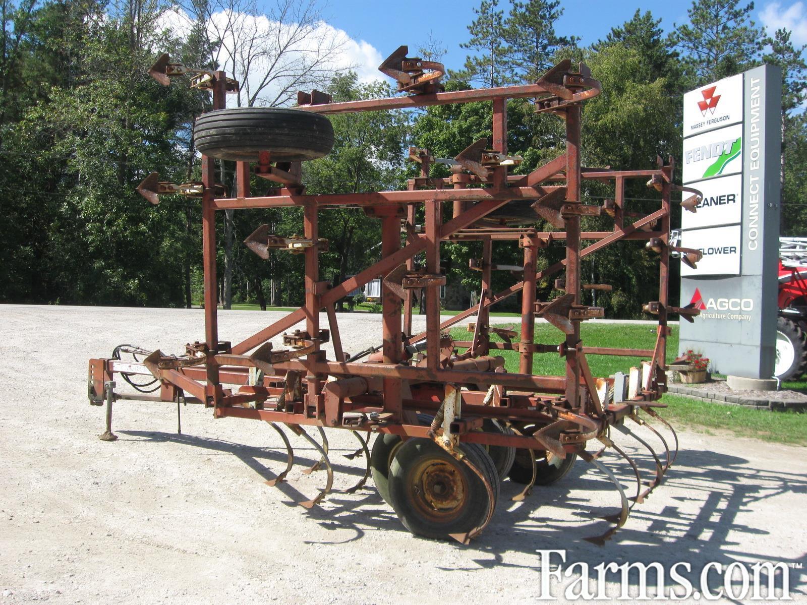 1995 Wil-Rich 2500 Row Crop Cultivator