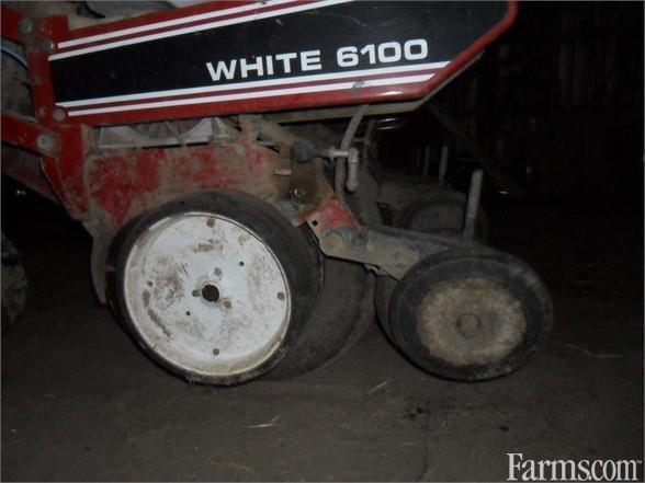 1992 White 6100 Planter