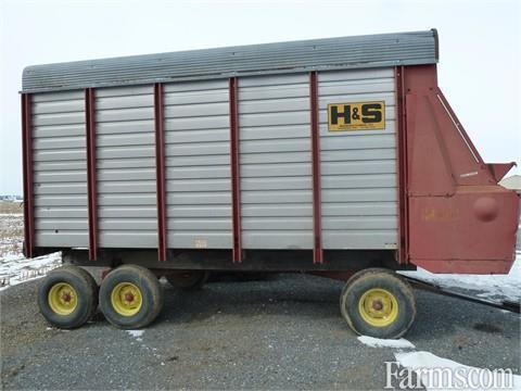 Unspecified Twin Auger HD Bale Wagons / Retrievers