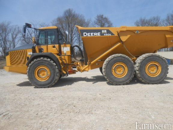 John Deere 2015 460E Dump Trailers