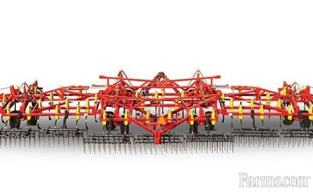 2018 Bourgault 9500 Cultivator