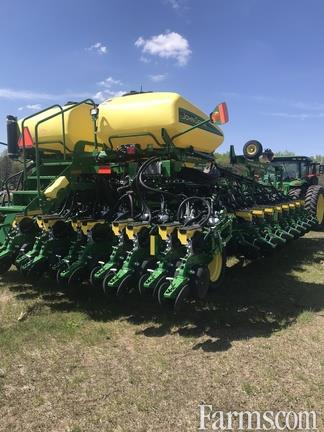 John Deere 2019 DB60 Planters