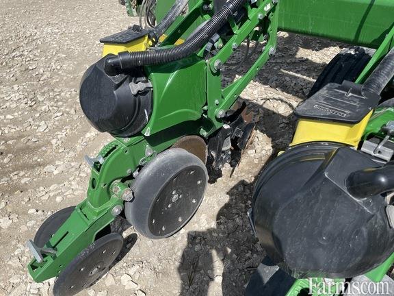John Deere 2016 DB90 Planters
