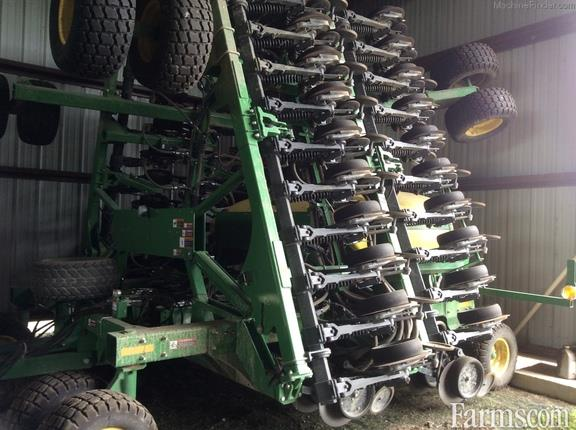 2014 John Deere 1990 Air Seeder / Air Cart