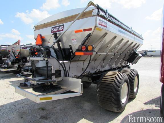 BBI 2019 16' Magna Spread Fertilizer Applicators - Dry