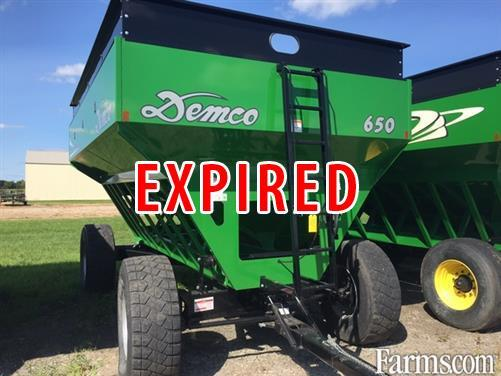 Demco 2015 650 Gravity Wagons