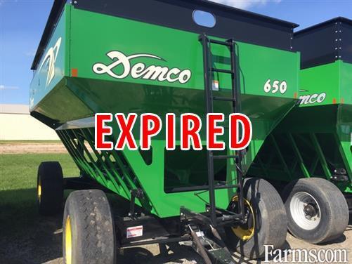 Demco 2013 650 Gravity Wagons