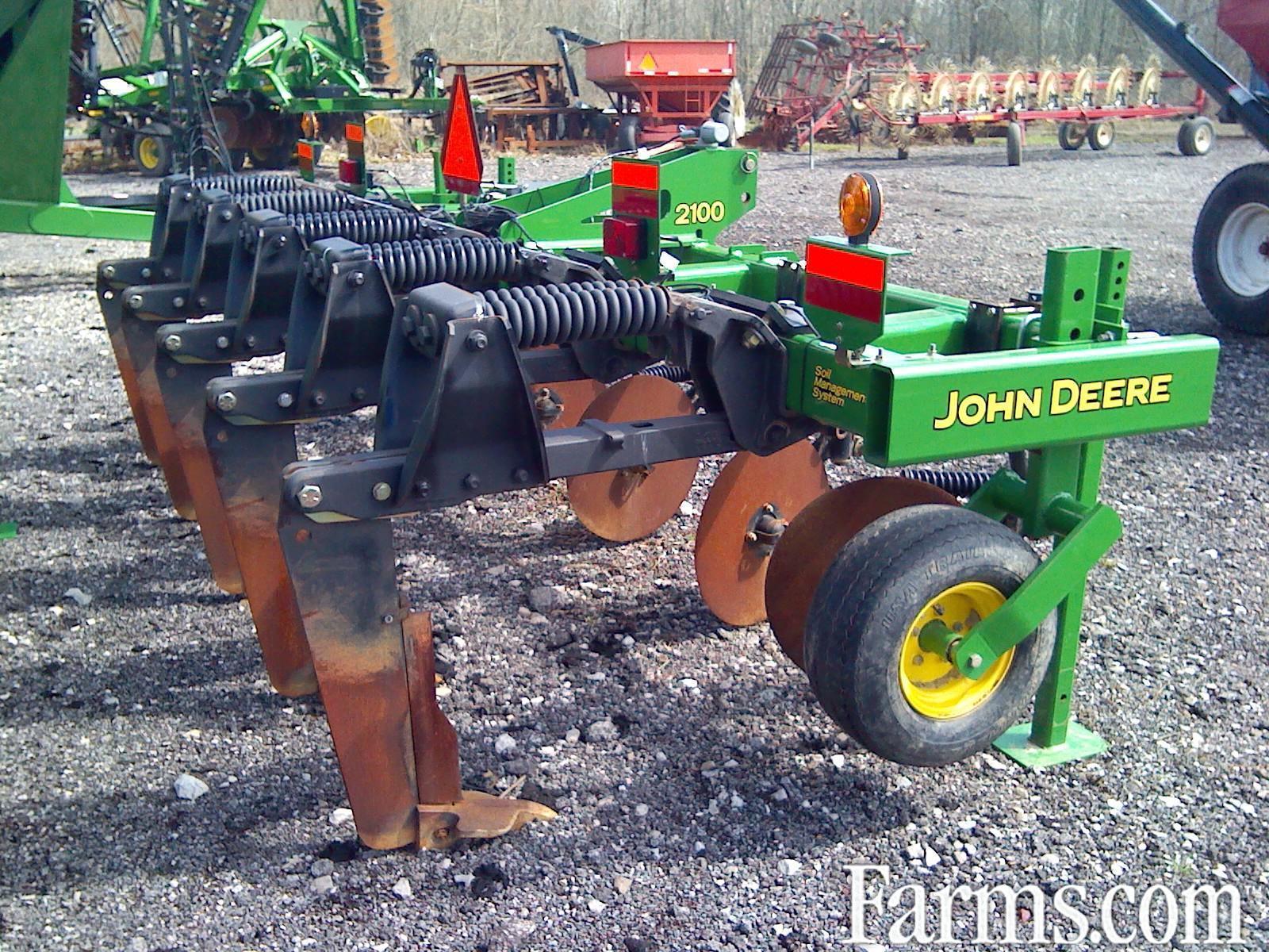 2013 JOHN DEERE 2100 Plow / Ripper