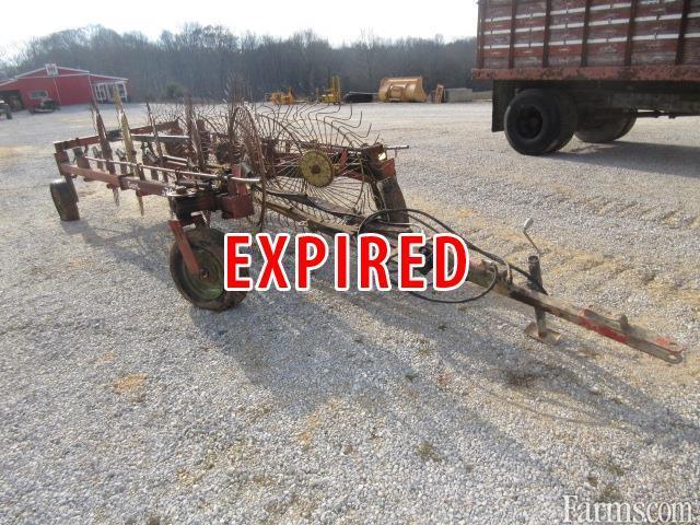 Gehl 520 10 wheel rake