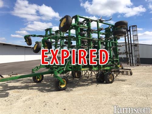 John Deere 2012 2210 Field Cultivators