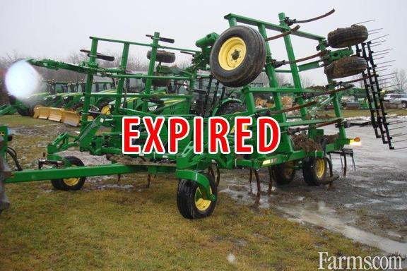 John Deere 2012 Plows / Rippers