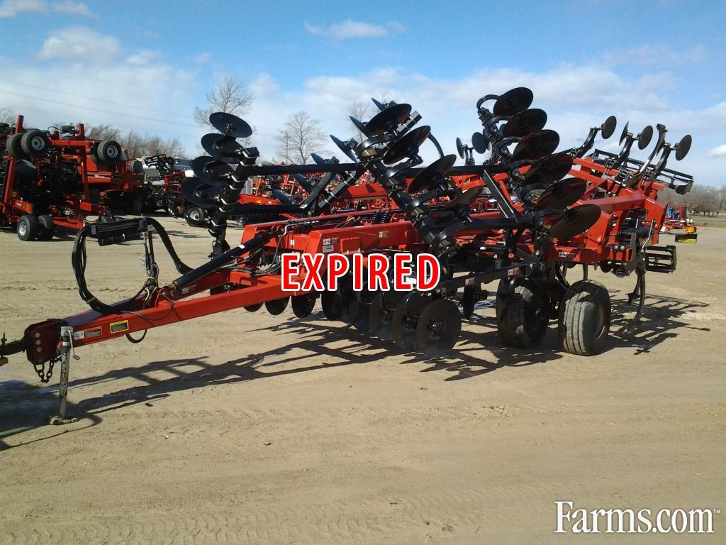 Case IH 2013 870 Plows / Rippers