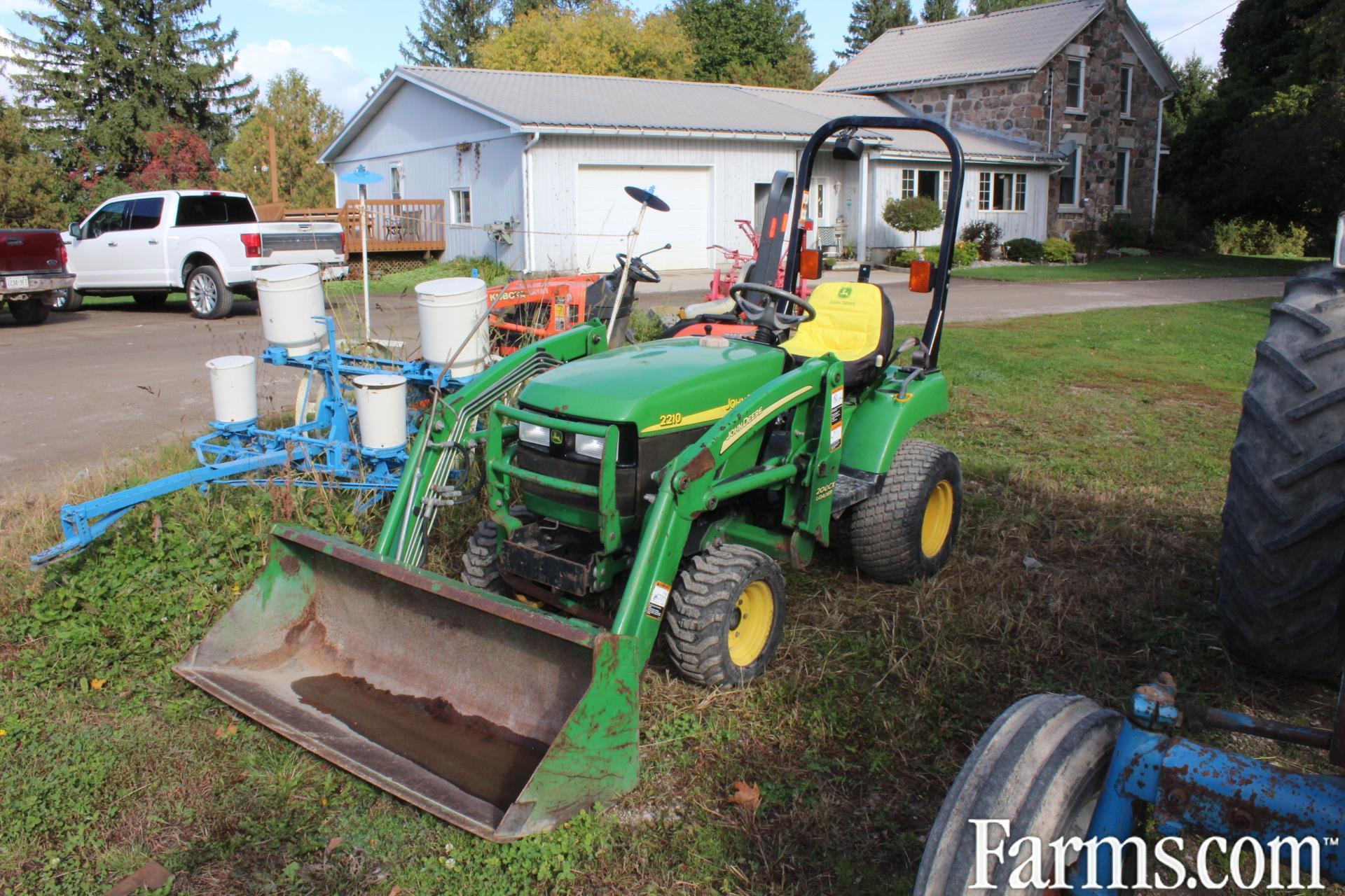 John Deere 2210 Compact Tractor
