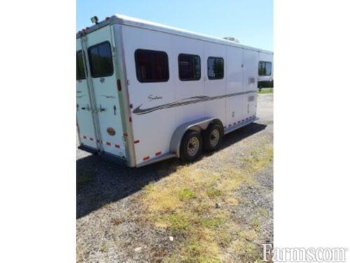 2009 Sundowner 3 Horse with 4' L.Q. -