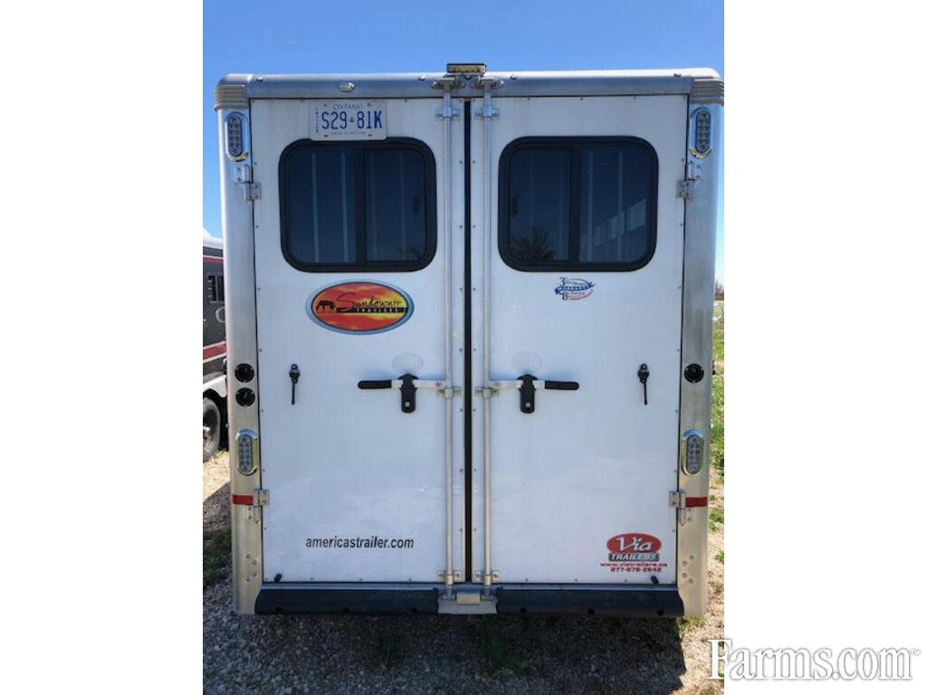 2020 Sundowner Trailers Sante Fe 6906 Lq 3 Horse Slant Load