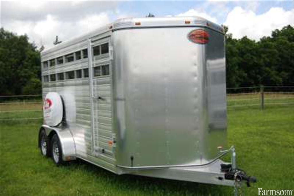 Sundowner 16' Livestock Trailers