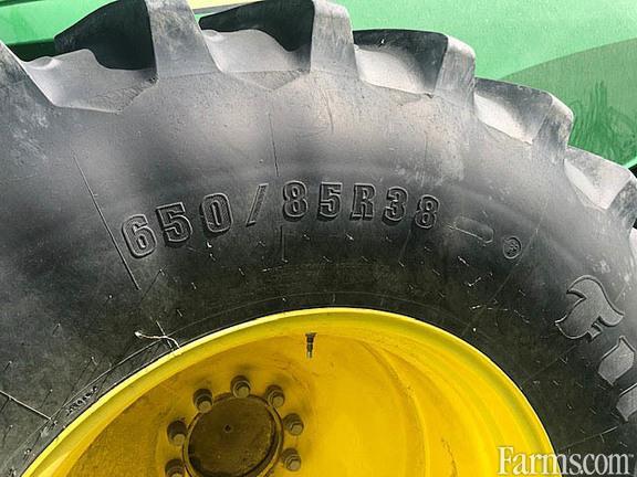 John Deere 2015 S690 Combines