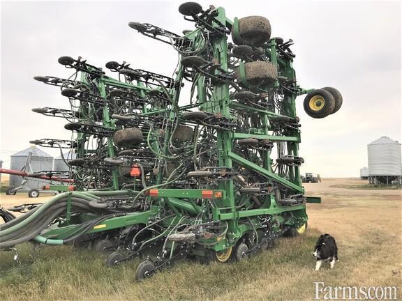 John Deere 2017 1870 Air Seeders / Air Carts