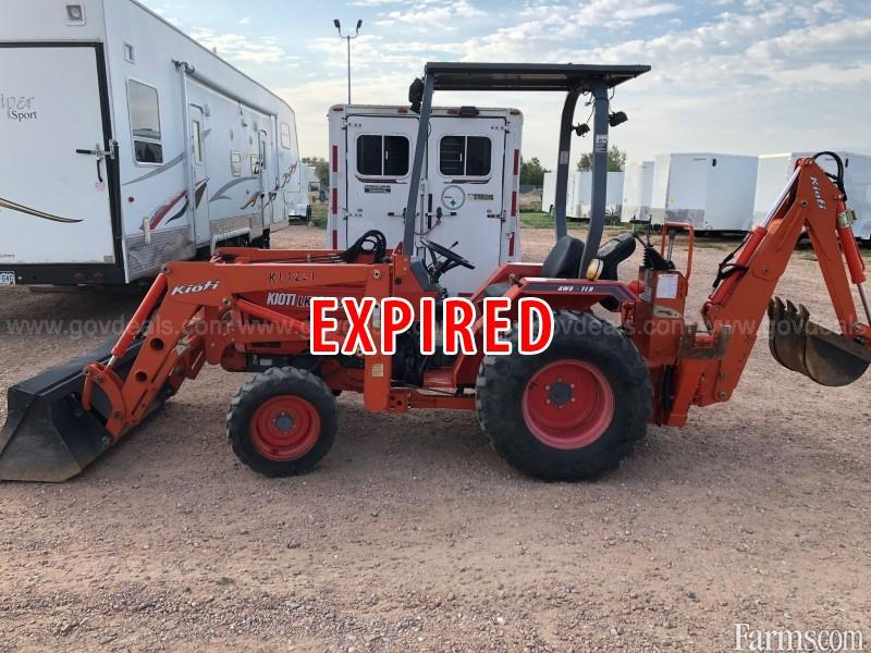 2005 Kioti tractor with backhoe and front end loader for Sale