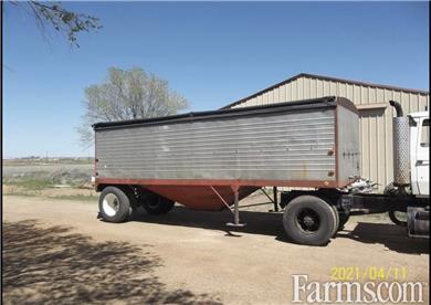 23' single hopper grain/seed trailer for Sale
